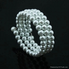 3 row coil glass pearl bracelet