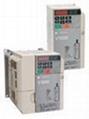 安川E7系列 CIMR-E7B20P4变频器 1