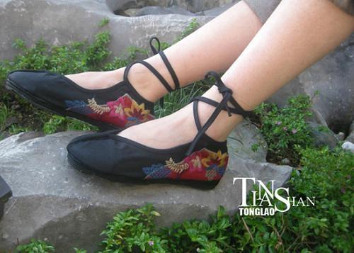 2012绣花女鞋dx-xh03 1
