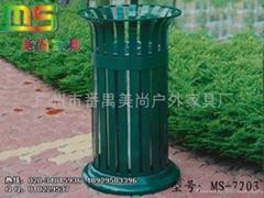 钢结构垃圾桶