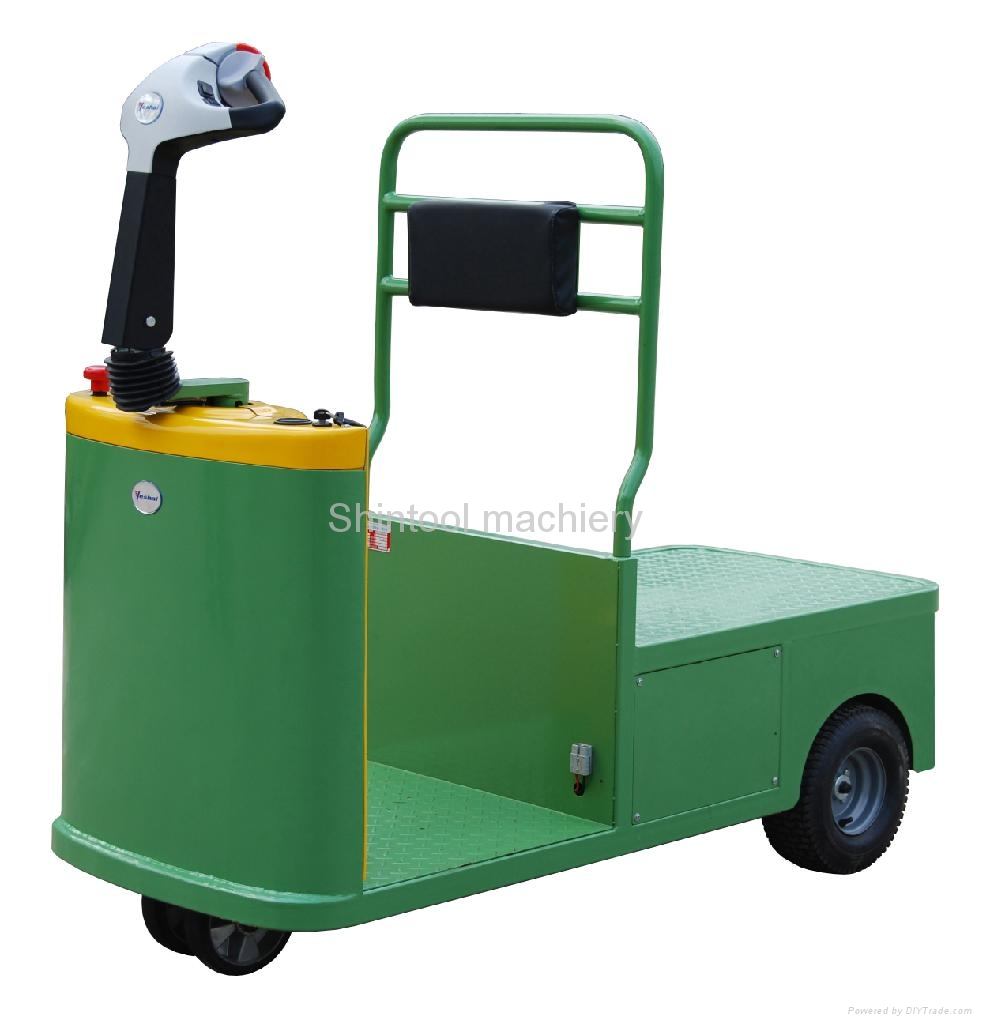 Electric towing tractor 5