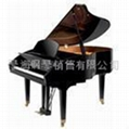 珠江黑色钢琴