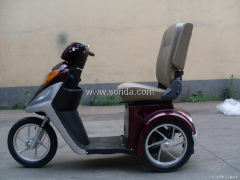 ActiveCare Pilot 2310 Scooter 3-Wheel - Electric-Wheel-Chairs.com