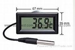 small hygro thermometer