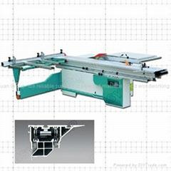 Sliding table saw / panel saw machine