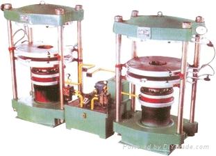 蒸汽加热轮胎硫化机 1