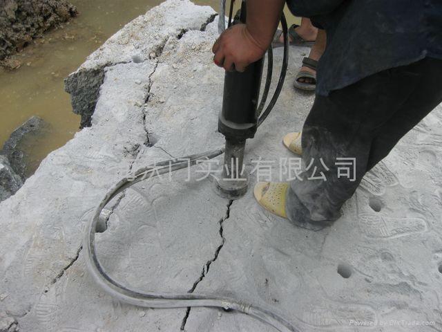 和田玉開採岩石劈裂機 1