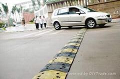 天津橡胶减速带