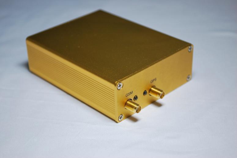 Model CT03 GSM+GPS+GPRS vehicle locator 4