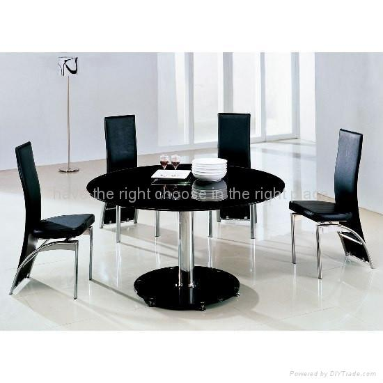 Perfect Black Round Glass Dining Table 550 x 550 · 30 kB · jpeg