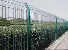 供應C型柱護欄網