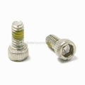 Socket Cap Screw with Patch and DIN 912