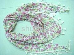 滌綸印花帶花邊三角圍巾