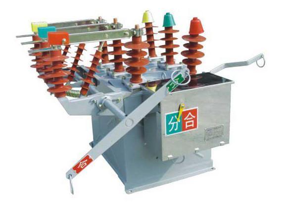 ZW8-12/630-20型户外高压真空断路器 1