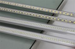 LED日光管  T8