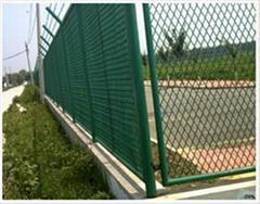 优质钢板护栏网