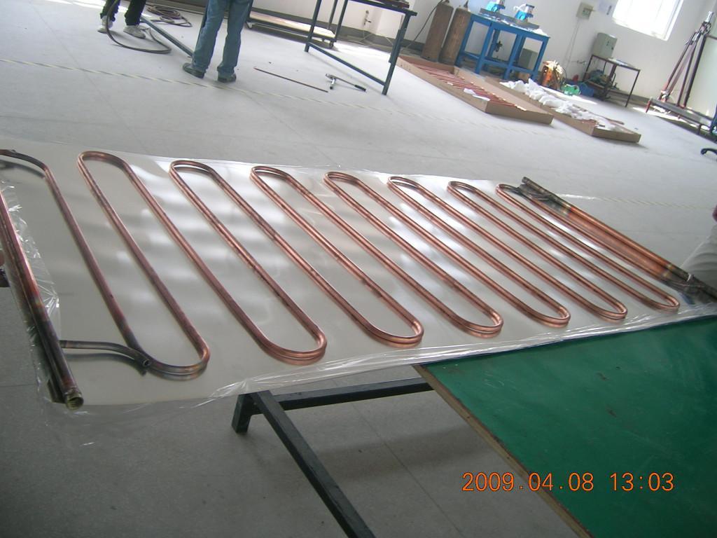平板式太阳能集热器_高效蛇型管平板太阳能集热器2050105080