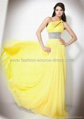 Floor length chiffon material evening/prom dress