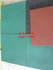 生产各种厚度橡胶地垫