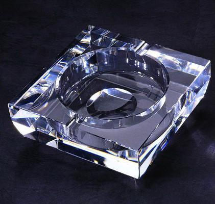 廈門水晶煙灰缸(圖) 1