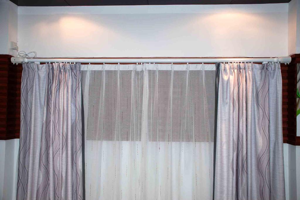 新一代电动窗帘机(电动窗帘轨道) 1