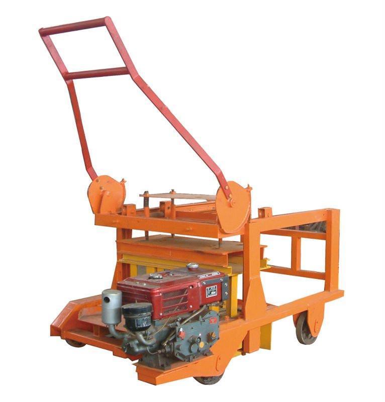 Cement Block Machines : Movable concrete block machine with diesel engine qmy