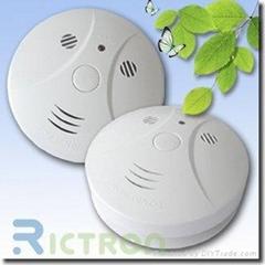 9V Battery Operated Smoke Detector RCS420