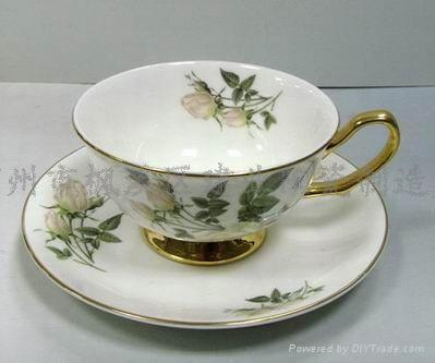 Western Style Bone China Cup And Saucer Set Wholesale