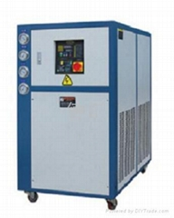Box-type low-temperature water chiller
