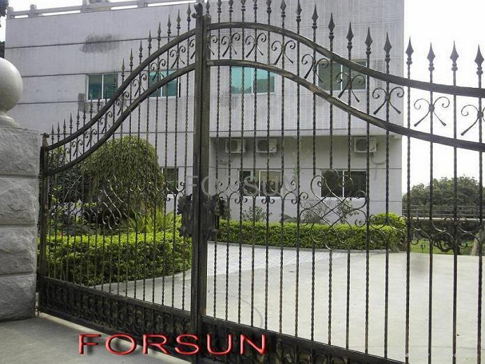 forged iron gate 1