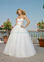 Sweethearted Strapless A-line Wedding Dress