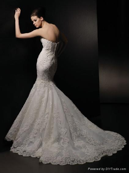 Strapless Mermaid Style Lace Wedding Dress 2