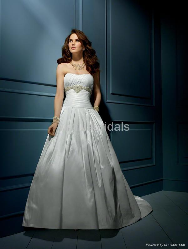 Nice Beaded Strapless A-line Wedding Dress 1
