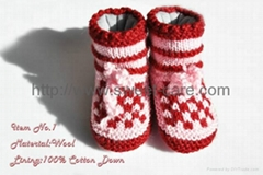 Handknitted baby booties/shoes,cotton lining,high upper (Item No.1)