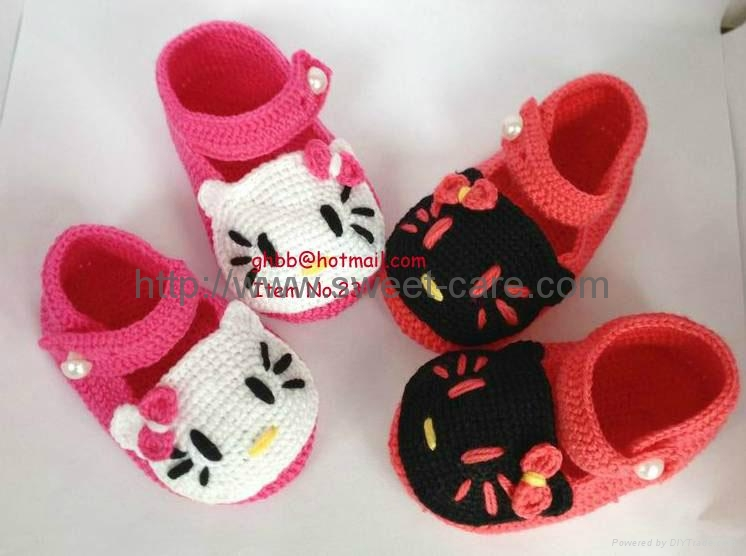 Handmade Hand Knit Crochet Baby Shoes Booties With Hello Kitty