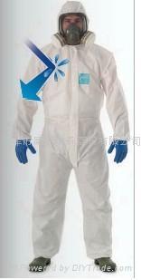 Microgard 2000標準型防護服 1