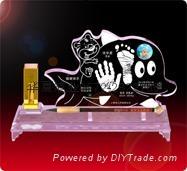 供應水晶手腳印嬰儿手足印水晶內雕章水晶紀念品 1
