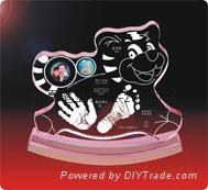 供應水晶內雕手腳印水晶印寶寶印寶寶紀念品 3