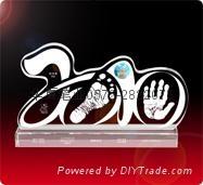 供應水晶內雕手腳印水晶印寶寶印寶寶紀念品 5