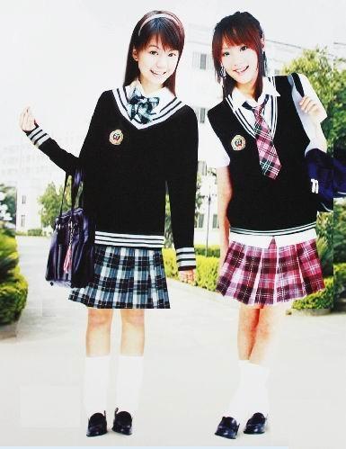 中小学生校服
