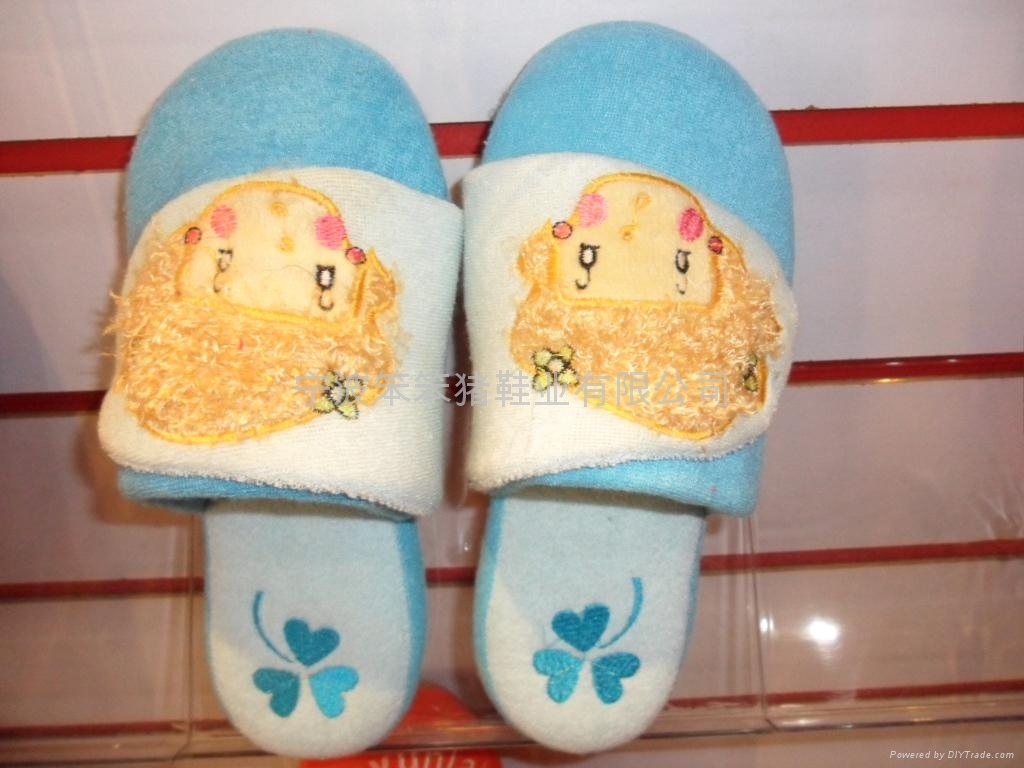 Indoor slippers, plush slippers, home slippers 1