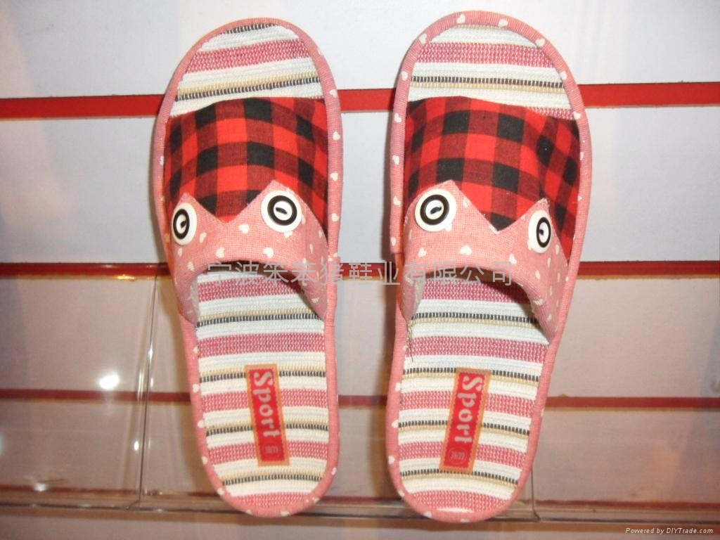 Indoor slippers, plush slippers, home slippers 4