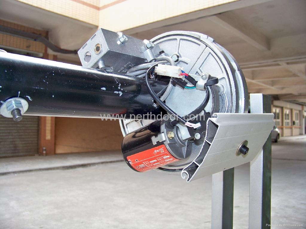 Central install spring balance roller shutter motor roller for Automatic garage door opener installation