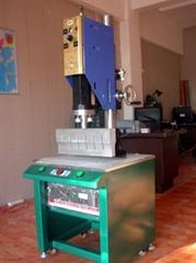 超声波塑焊机    超声波花边机
