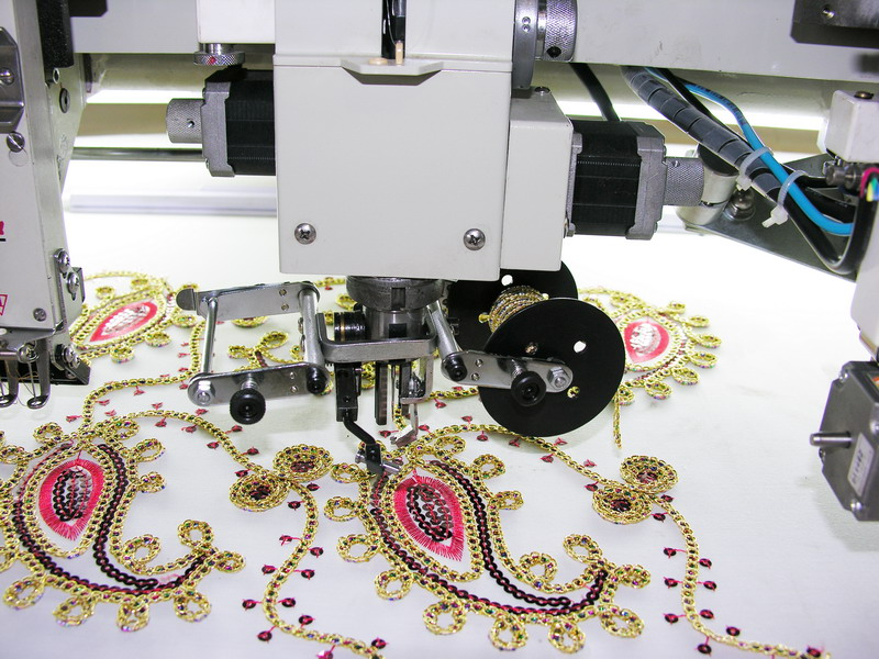 Mix Head Multifunction Computer Embroidery Machine Eagle 6066