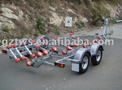 Roll-on boat trailer