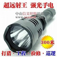 TK12強光超遠射手電筒,射程300米