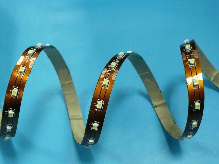热买LED贴片灯带5050  60珠 黄光 2