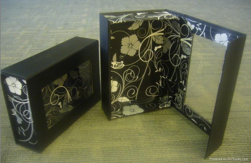 开窗折叠盒 1