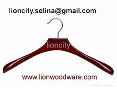 Wooden hanger LEC-DL0610